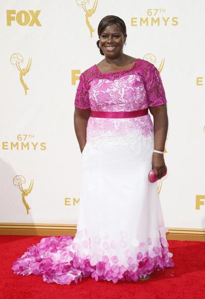 Mode XLusive Canadian Fashion Blog Curvy Retta Emmys 2015 red carpet dresses