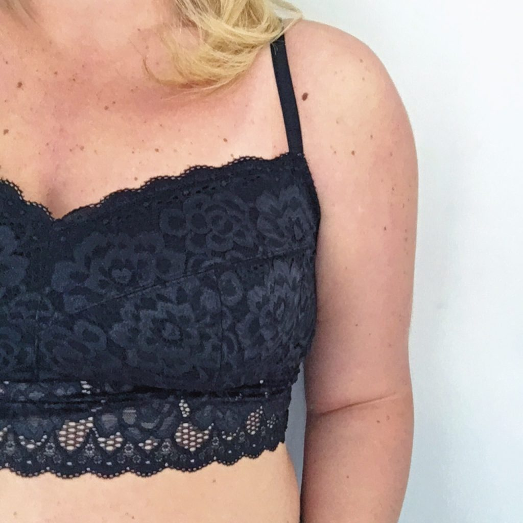 Plus Size bra lace bralette Ottawa Fashion Blog Mode XLusive Chantal Sarkisian blogger