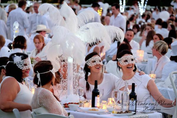 Diner en Blanc Ottawa 2016 Fashion Blogger