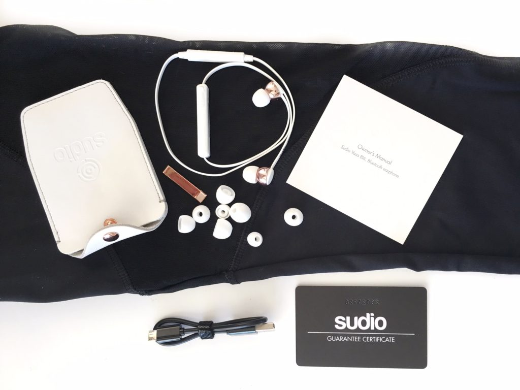 sudio-wiress-headphone-white-rose-gold-fashion-blog-athleisure
