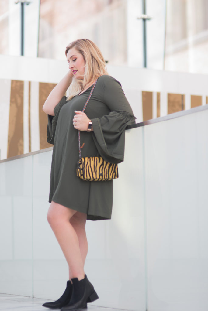 ELVI plus size bell sleeve dress fashion trend Ottawa Fashion Blogger Chantsy coach purse black booties