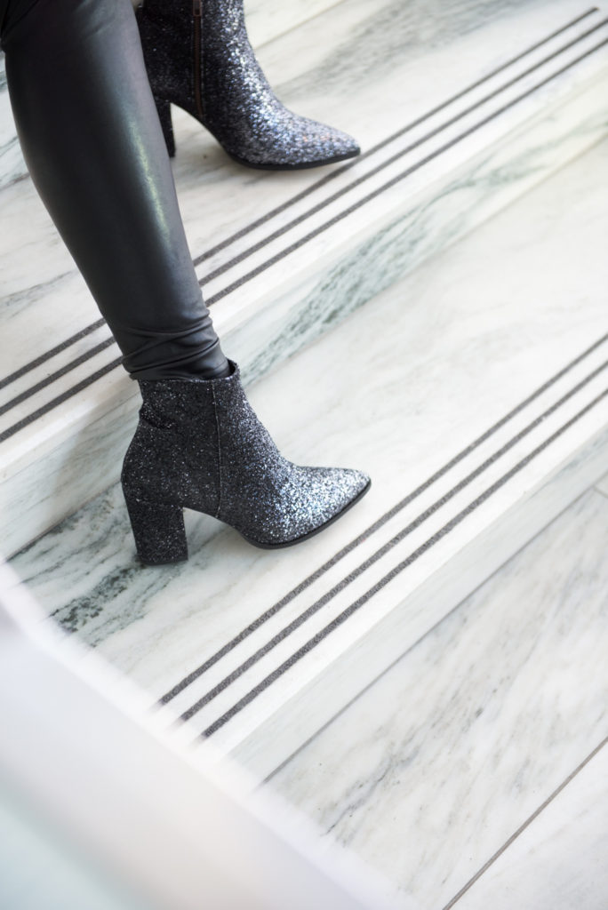 Ottawa Fashion Blogger Elvi Velvet Blazer Sparkle boots leather leggings