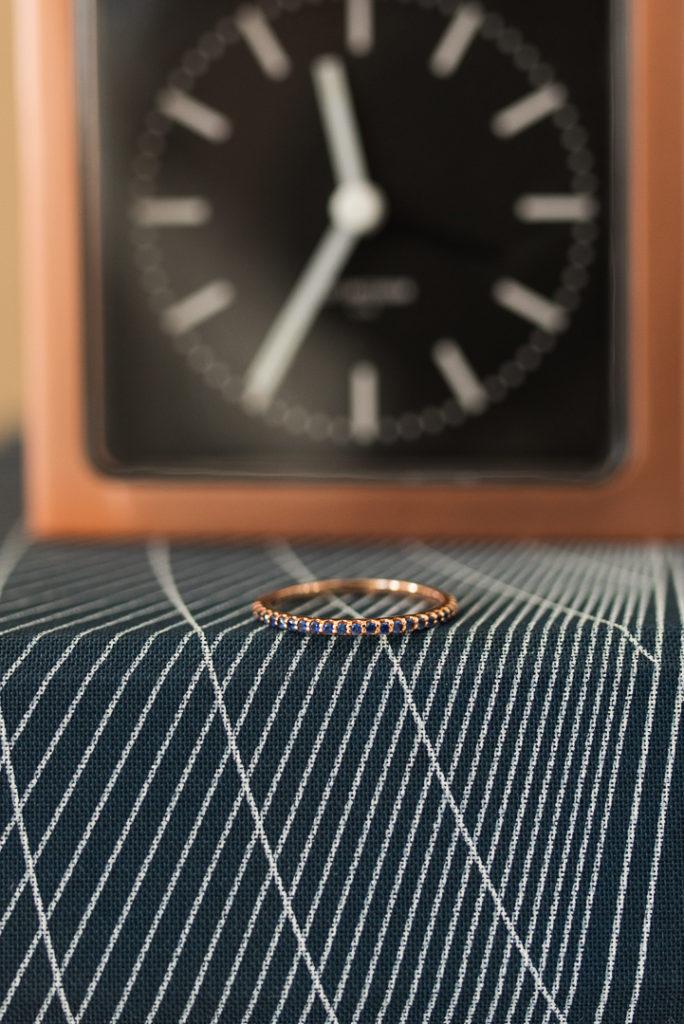 14-k-carrat-rose-gold-ring-blue-sapphire-custom-band-stackable-engage-design-diamond