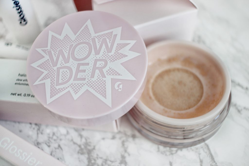 Ottawa-Beauty-Fashion-Blogger-Blog-Glossier-Boy-Brow-haloscope-highlighter-wowder-pink-bubble-wrap-bag