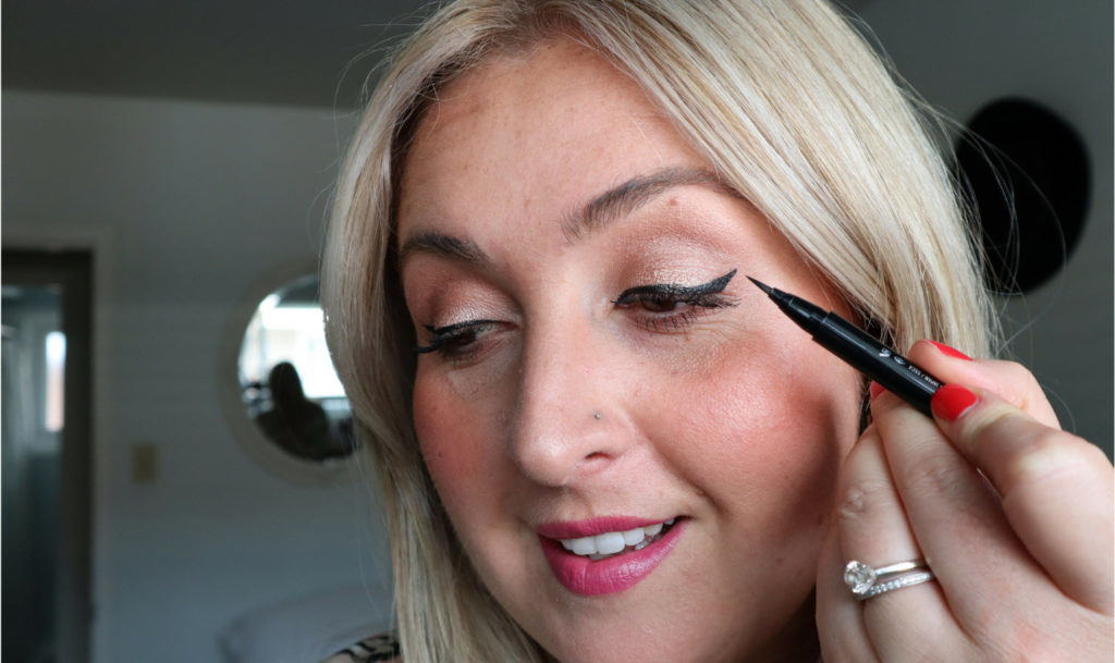 Winged_eye_liner_tutorial_how_to_makeup_video_Chantsy_Beauty_Blogger. In this video I do a winged liquid eyeliner tutorial ...