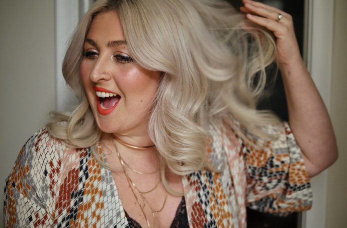 How I curl my hair-Chantsy-Canadian-Fashion-Beauty-Blogger-Influencer-Ottawa-Youtuber-Blonde